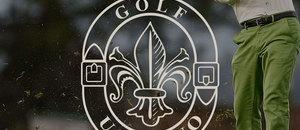 Golfista in azione al Circolo Golf Ugolino